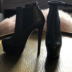 Vera Wang collection sky high booties *Brand New*